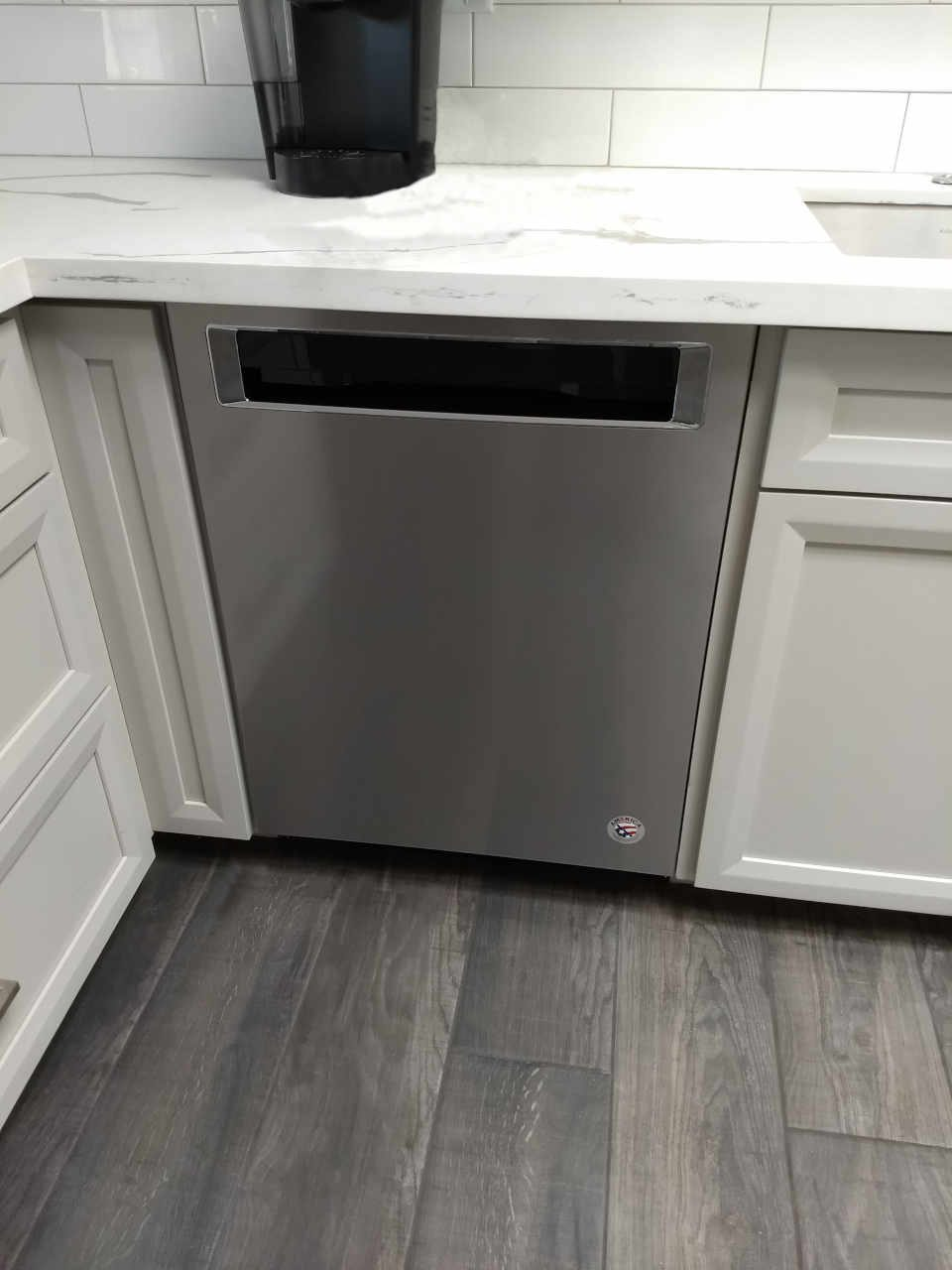 gray-cabinet-stainless-dishwasher