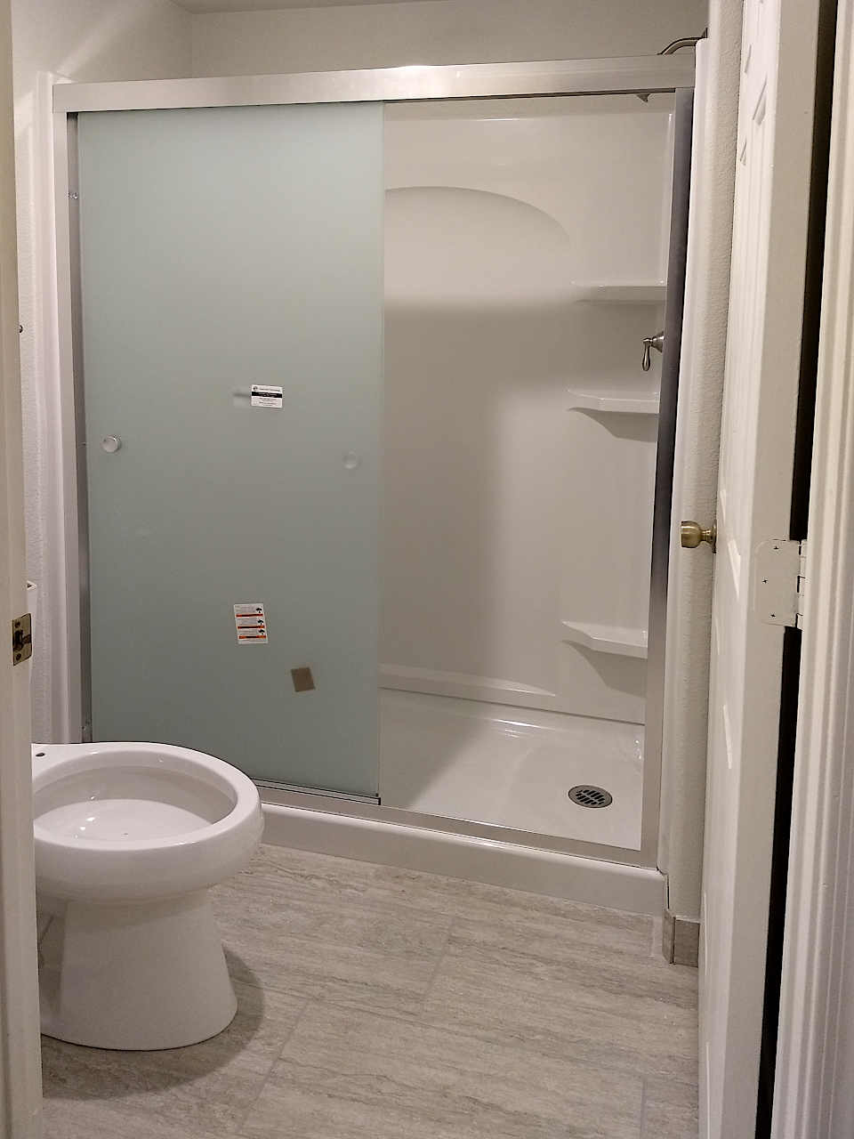 5-shower-stall-frosted-glass-1.1
